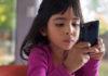 child_using_smartphone