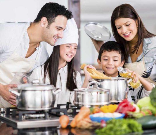 children_help_parents_for_cooking