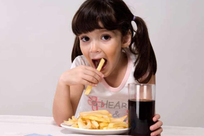 child_eating_french_rice