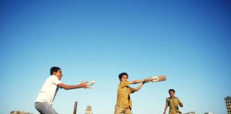 children_playing_cricket