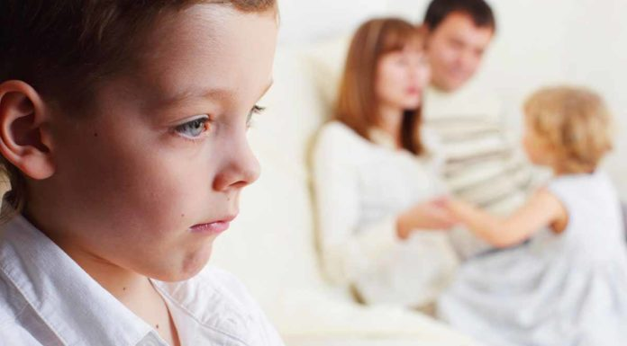 parents_ignoring_elder_child