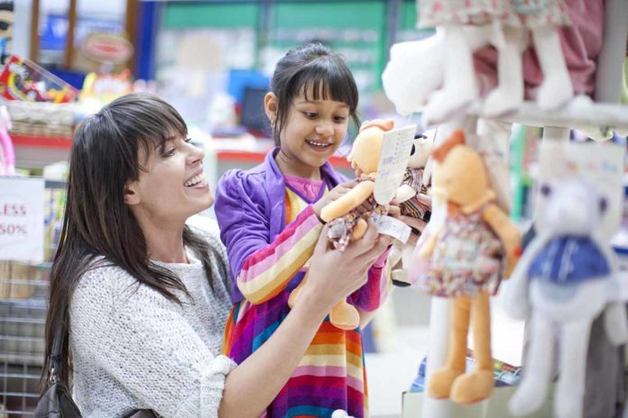 selecting_toys_to_child