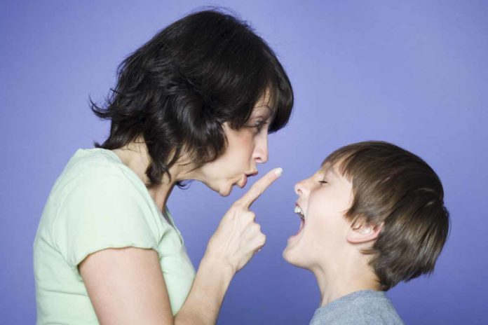 mother-advising-child